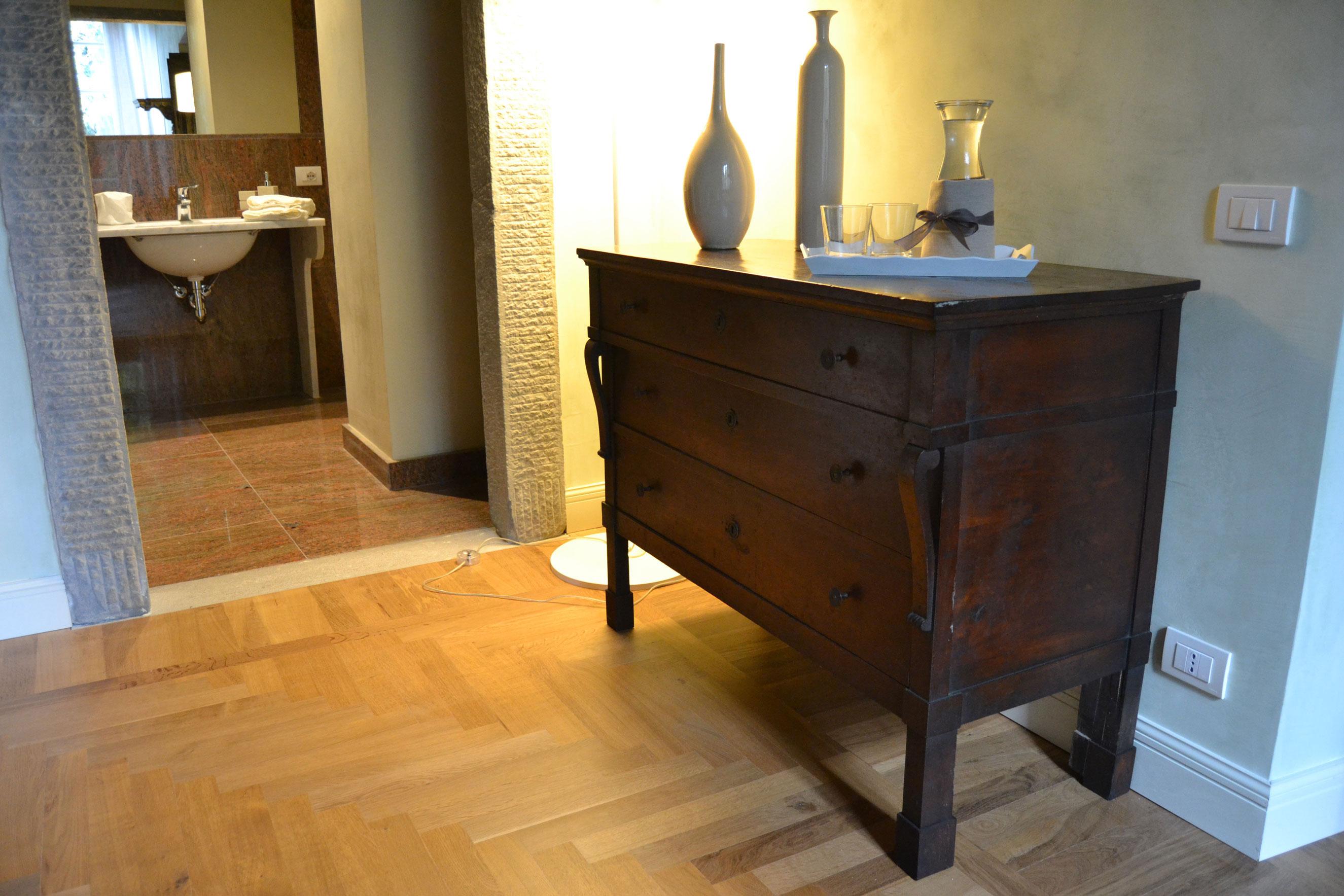 Free arredamento prestigioso in camera with arredamento for Az arredamenti napoli